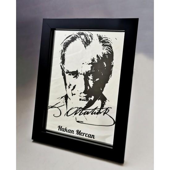 Ayna Üzerine Atatürk İşlemeli Plaket